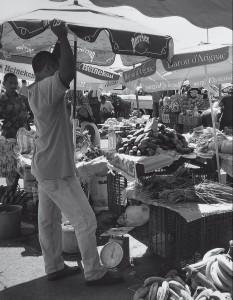 Pointe à Pitre, scène de marché (photo J. -F. Peiré)